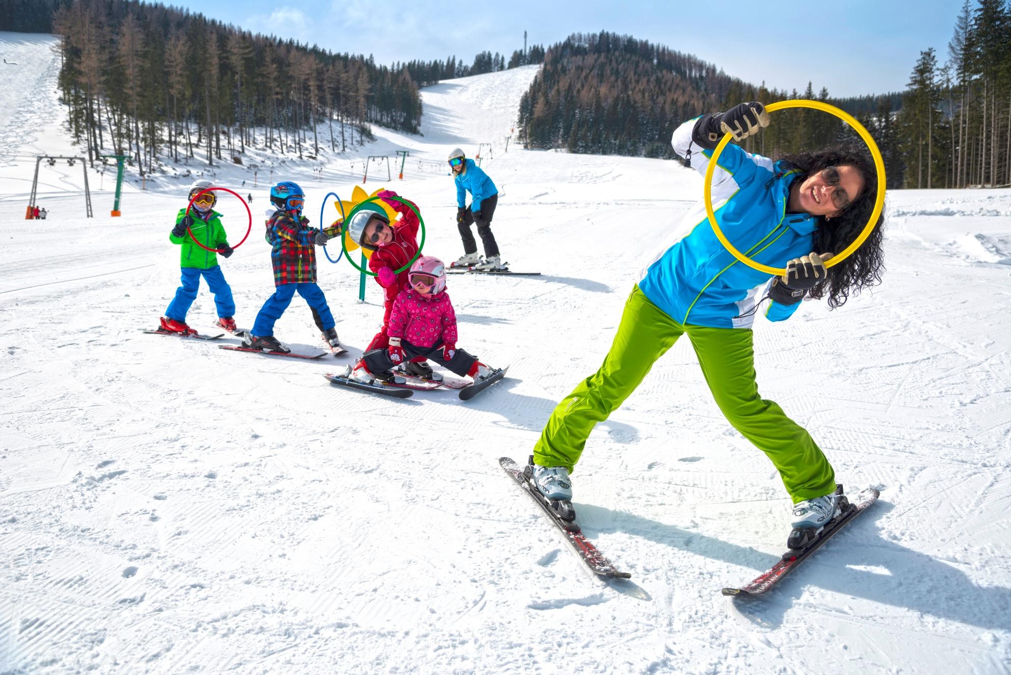 Almenland Skifahren Und Skiurlaub In Der Steiermark